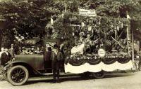 1926_umzug_durch_dorf_3